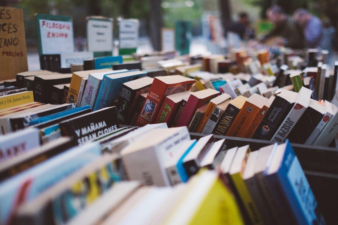 Bøger er bedre at låne frem for at købe